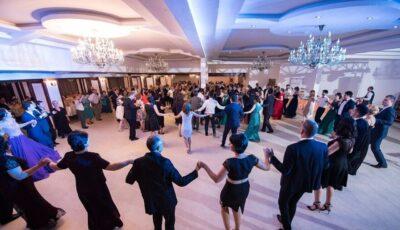 Până pe 15 aprilie, pot fi organizate nunți și cumetrii cu 20 de invitați