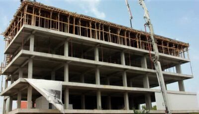 Mai mulți moldoveni au investit zeci de mii de euro într-o construcție din Capitală lăsată de izbeliște