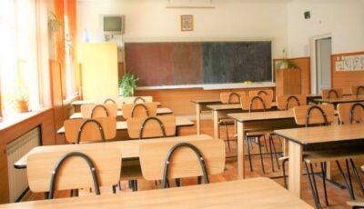 Părinții nemulțumiți de învățământul online au inițiat o petiție
