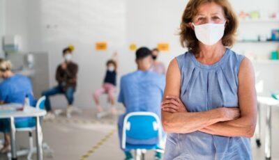 OMS: Vaccinul AstraZeneca poate fi folosit și la persoanele peste 65 de ani