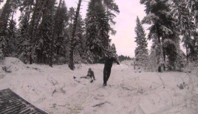 Trei copii dezbrăcați au fost găsiți abandonați într-o pădure, la -15 grade Celsius