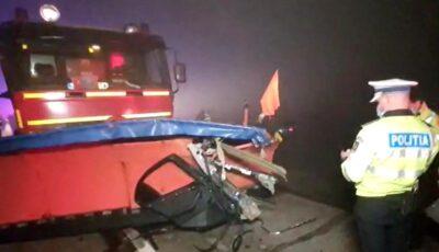 O șoferiță s-a angajat într-o depășire periculoasă intrând în lama unui utilaj de deszăpezire. Femeia și-a pierdut copilul de 5 anișori