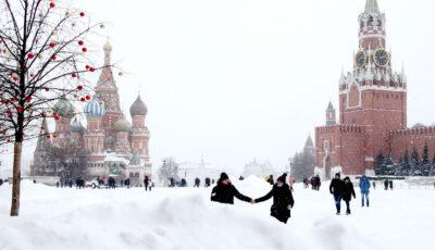 Orașul Moscova, îngropat în nămeţi