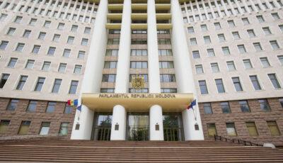 Cinci deputați moldoveni sunt internați cu Covid-19, unii dintre ei în stare gravă
