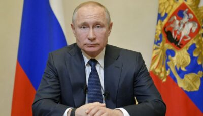 Vladimir Putin îi îndeamnă pe ruşi să se vaccineze împotriva Covid-19