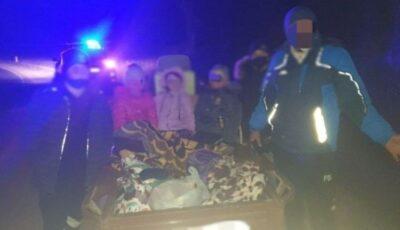 Un individ în stare de ebrietate transporta într-o remorcă cinci copii