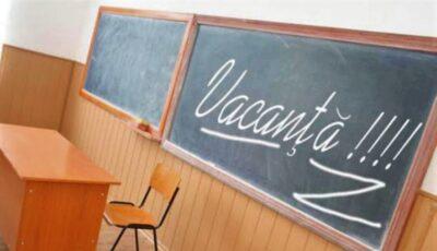 Vacanța elevilor, prelungită până pe 15 martie