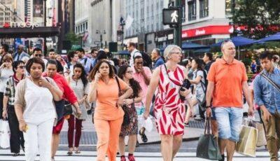 Peste 95 de milioane de americani nu mai sunt obligați să poarte măști în aer liber