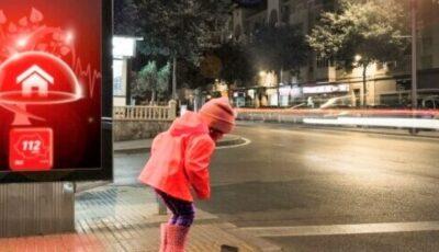 Exemplu de bună educație. O fetiţă de 9 ani a sunat la 112 pentru a anunţa că a găsit un portofel