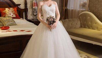 O femeie a aflat în ziua nunții fiului ei că mireasa este de fapt fiica ei de mult pierdută