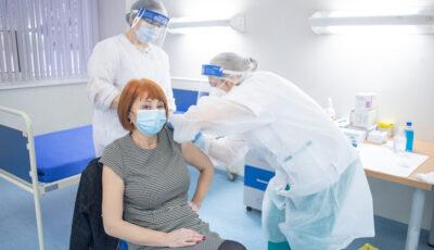 ANSP: Persoanele sănătoase care vor să se vaccineze o pot face fără restricţii