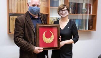 Președinția a transmis Muzeului Național de Istorie un colier de aur, dăruit Maiei Sandu de către președintele Ucrainei