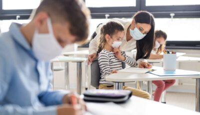 Ion Ceban: Doar școlile în care va exista acoperire de vaccinare de 70% vor fi deschise