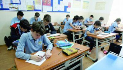 România: Se deschid școlile pentru elevii din clasele absolvente și speciale