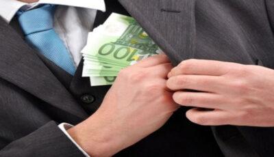 Un avocat din Chişinău, reţinut pentru 52.000 de euro mită