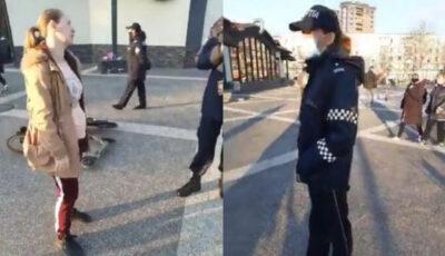 O femeie care se plimba într-un parc din capitală a refuzat să poarte mască în pofida insistențelor polițiștilor
