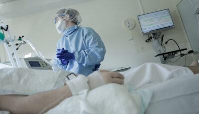 Caz rar, în România. O femeie vaccinată cu două doze Pfizer a decedat fiind infectată cu Covid-19