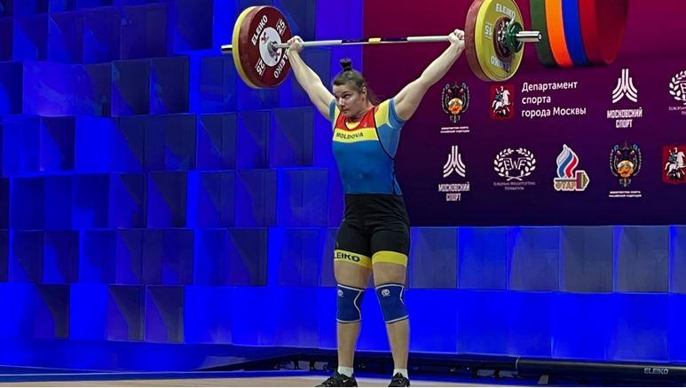 Moldoveanca Elena Cîlcic a luat medalia de argint la Campionatele Europene de haltere