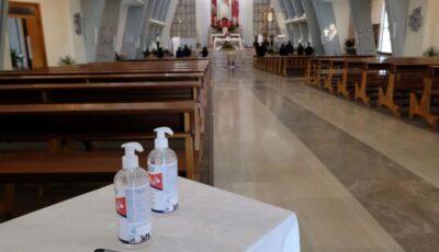 În Italia vaccinul poate fi făcut în biserici sau chiar muzee