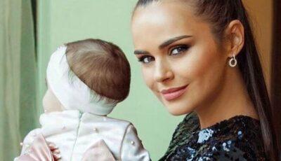 Xenia Deli le-a arătat fanilor chipul fetiței sale. Ce simpatică este Anastasia
