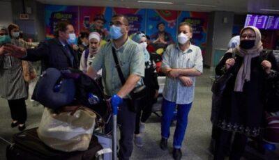 Cei 13 moldoveni evacuați din Fâșia Gaza au ajuns la Kiev
