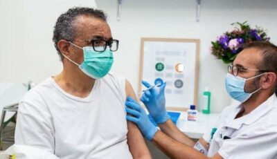 Directorul general al OMS s-a vaccinat împotriva Covid-19