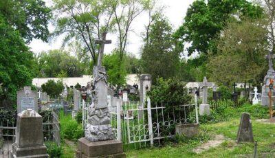 Cimitirele din Chișinău se deschid de Blajini