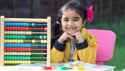 La numai 4 ani, o fetiță din Marea Britanie are un IQ comparabil cu al lui Einstein