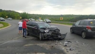 Accident grav pe traseul Chișinău-Hâncești: 4 copii și o femeie de 36 ani, printre răniți