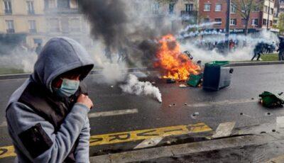 Paris: Poliția a folosit gaze lacrimogene și tunuri cu apă împotriva protestatarilor pro-palestinieni care s-au adunat neautorizat în capitala franceză
