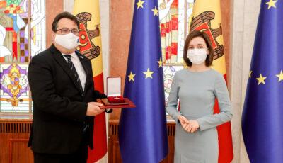 Ambasadorul Peter Michalko, decorat cu Ordinul de Onoare de Ziua Europei