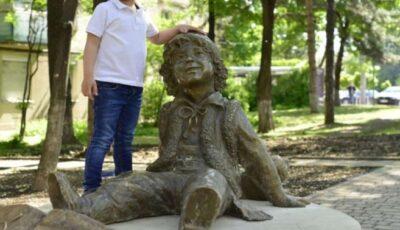 În Capitală a fost inaugurat scuarul Guguță. Unde se află acesta?