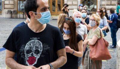 Italia renunță la purtarea măștii în aer liber la jumătatea lunii iulie