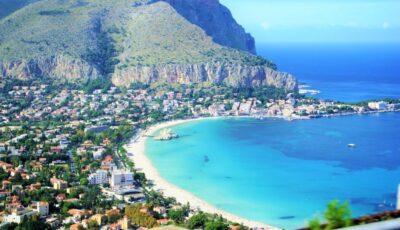 Italia și Grecia se pregătesc să primească turiști fără carantină