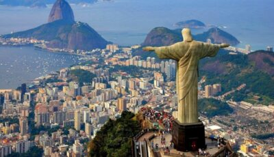 Brazilia promovează vaccinarea folosind statuia Mântuitorului din Rio de Janeiro