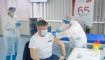 Vaccinare cu Pfizer, fără programare, în peste 20 de centre medicale din Iași. E valabil și pentru moldovenii care dețin cetățenie română