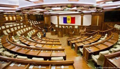 Alegeri parlamentare: Circa 1.800 de persoane luptă pentru cele 101 mandate de deputat în Parlament