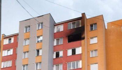 Un bloc din Soroca, lovit de fulger. O locuinţă a luat foc