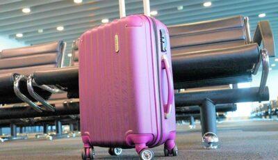 Aeroport: peste 74 mii de dolari, găsiți într-o valiză