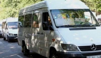 Gest uimitor. Un șofer de microbuz din Capitală s-a reîntors pentru o mămică cu doi copii mici care și-a uitat poșeta în mijlocul de transport