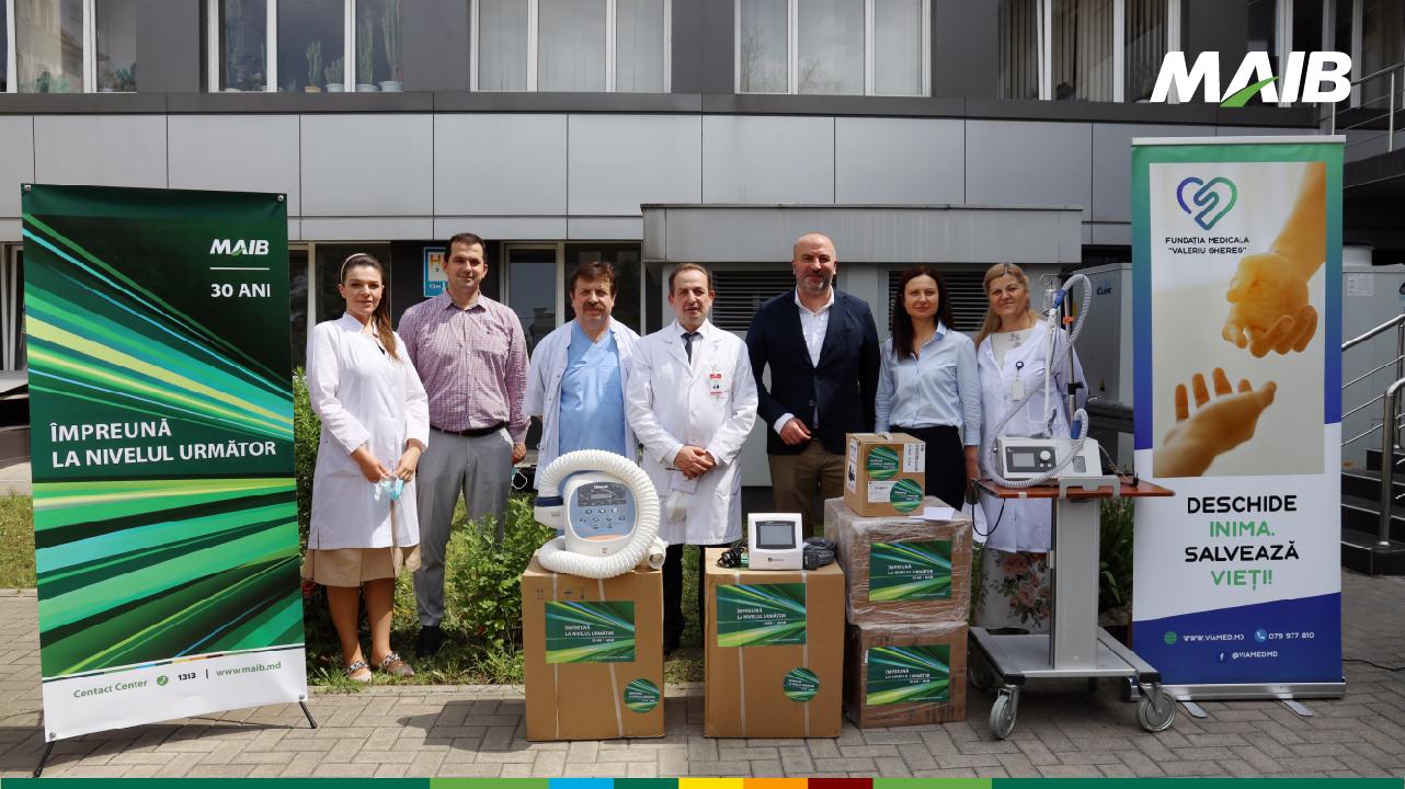 Foto: 30 de ani de responsabilitate socială: MAIB donează dispozitive medicale de un milion de lei Institutului de Medicină Urgentă