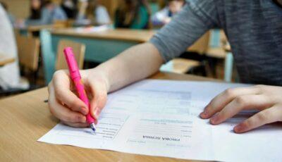 Circa 16.000 de absolvenți susțin astăzi examenul la disciplina preferată din cadrul sesiunii de bacalaureat