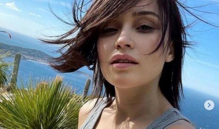 Irina Rimes, fericită și îndrăgostită. Artista, sărutată de iubitul francez pe Coasta de Azur
