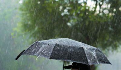 Ne așteaptă un weekend cu ploi puternice. Vezi prognoza meteo