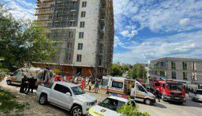 Care este starea muncitorilor căzuți în gol pe un șantier de construcție din Capitală