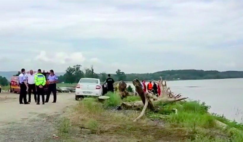 Două surori, în vârstă de 11 şi 12 ani, s-au înecat în Dunăre încercând să facă tiktok-uri. Fetițele se aflau în grija rudelor, ambii părinți fiind plecați la muncă în străinătate