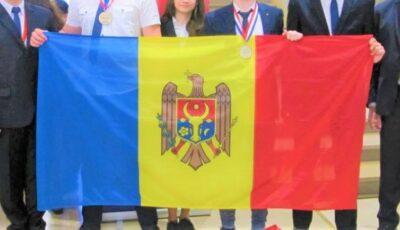 Elevii moldoveni au obținut medalii de bronz și mențiuni la Olimpiada Europeană de Fizică