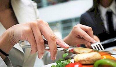 Alimentul nesănătos pe care mulți îl mâncăm aproape zilnic, fără să ştim