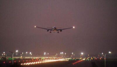 Un avion cu peste 100 de moldoveni a aterizat de urgență în Bulgaria, din cauza suspecției unei defecțiuni la motor