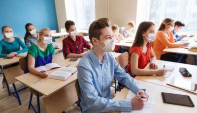 OMS, UNESCO și UNICEF cer folosirea testelor pentru Covid-19 în școli pentru evitarea învățământului online, din toamnă